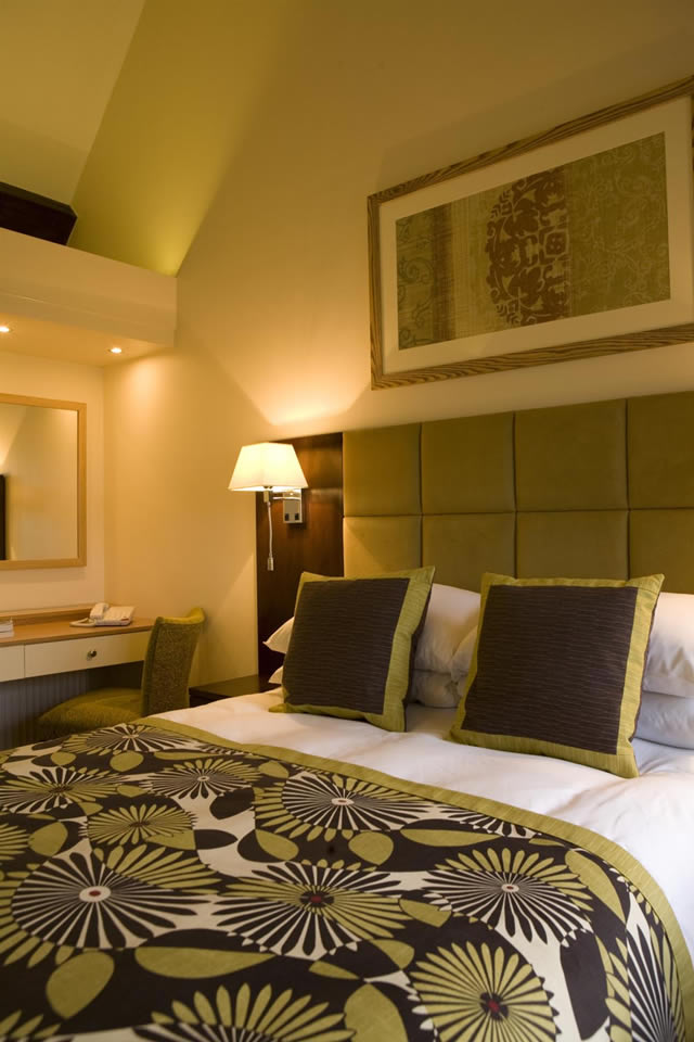 Impressive Hotel Bedroom Interior Design 640 x 960 · 82 kB · jpeg